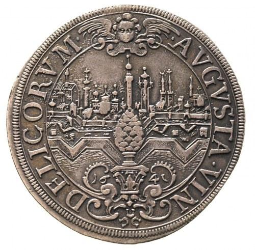 talar 1641, Aw: Herb miasta z panoramą w tle, wokoło na...