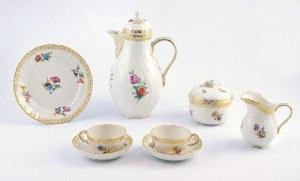 Państwowa Manufaktura Porcelany (KPM), Zakład w Selb (Auslagerungswerk), Serwis do herbaty, z reliefem Ozier, w typie Neubrandenstein, z dekoracją kwiatową