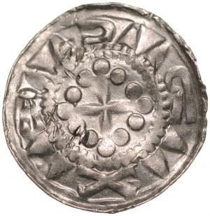 Denar krzyżowy XI w., Av.: Krzyż kawalerski, Rv.: Krzyż prosty, między ramionami duże kropki.