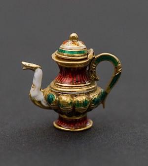 Złota, miniaturowa zawieszka w formie imbryka, Francja lub Rosja, II poł. XIX w.