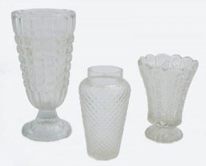 Trzy wazony szklane