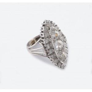 Pierścionek z diamentami