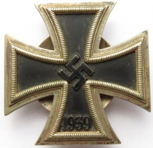 Niemcy, Krzyż żelazny 1939, II wojna światowa, 1 klasa, nakrętka sygn. L/21- stara kopia
