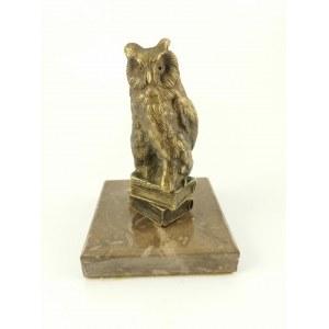 Wyroby artystyczno-grawerskie WŁADYSŁAW MIECZNIK (1903-1989), Przycisk na biurko z figurką sowy