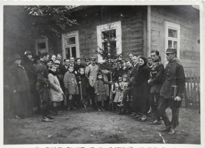 Józef Piłsudski, Przy stole z adiutantami i rodziną