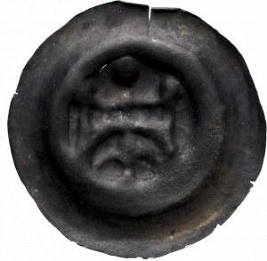 Pomorze, Dymin II, Brakteat brama na łuku pod nią lilia