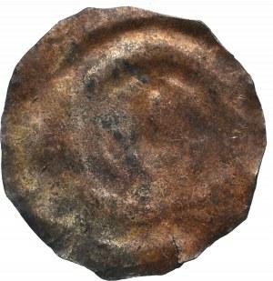 Pomorze(?), Brakteat Pastorał z krzywaśnią w lewo
