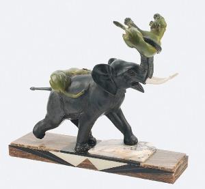 Irenee ROCHARD (1906-1984), Słoń walczący z lwicami - rzeźba gabinetowa art deco