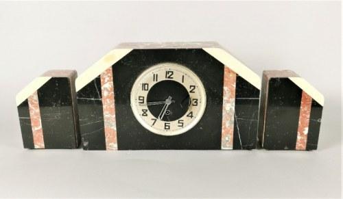 Zegar kominkowy art déco, z parą ozdobnych słupków