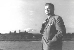 HERMANOWICZ Henryk - [Władysław Broniewski - fotografia portretowa]. [l. 50. XX w.]. Fotografia form. 12,1x17,...