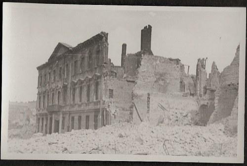 Warszawa 1944 Powstanie Warszawskie Ul. Mariańska Po Ataku Lotniczym 14. Viii Eugeniusz Haneman Fotografia [Vintage Print]