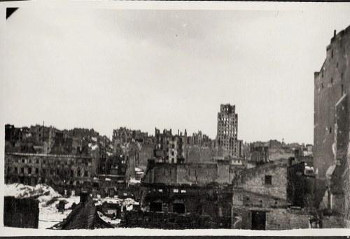 """Warszawa 1944 Powstanie Warszawskie Widok Na """"Prudential"""" Z Dachu Domu Na Ul. Kopernika, Po Wyjściu Niemców Eugeniusz Haneman Fotografia [Vintage Print]"""