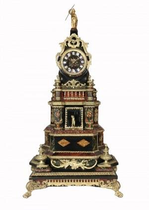 Zegar eklektyczny w typie manierystycznym
