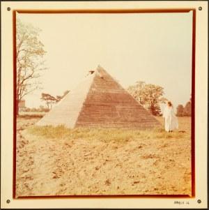 Natalia LACH-LACHOWICZ ur. 1937, Piramida, 1979