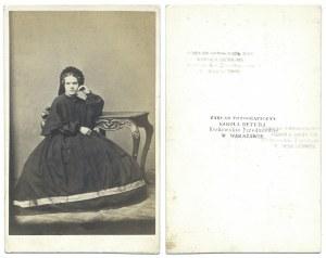 [ALBUM] Zbiór fotografii z drugiej połowy XIX w. i początku XX w. z warszawskich zakładów fotograficznych...