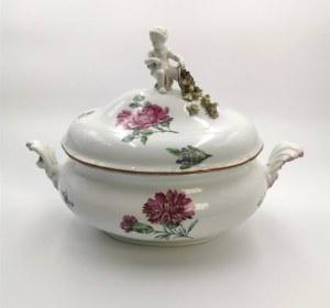 Miśnia, Churfürstliche Porcellain Fabrique, Waza serwisowa z pokrywą, z dekoracją kwiatową