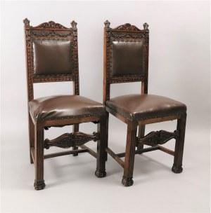 Para krzeseł w manierze historycznej