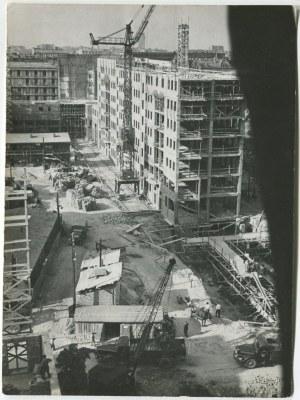 fotografia Warszawa - 3 zdjęcia z odbudowy Warszawy, lata 50.