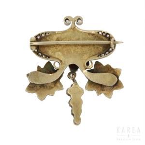 An Art Nouveau brooch