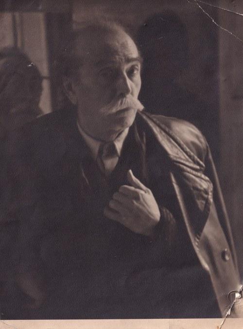 Wlastimil Hofman (1881-1970), Portret Wlastimila Hofmana (lata 50.)