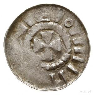 denar krzyżowy z kaplicą z pocz. XI w.; Aw: Kapliczka z...