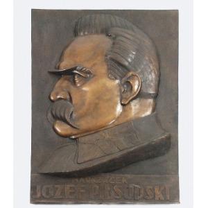 Władysław MIECZNIK (1903-1989), Plakieta - Marszałek Józef Piłsudski