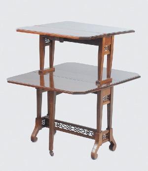Stolik pomocniczy - etażerka w stylu klasycystycznym