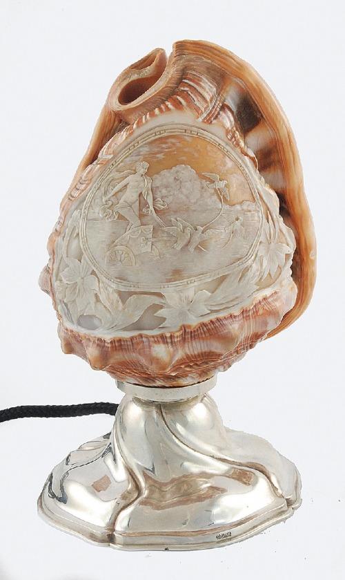 Bruckmann & Söhne (1805-1973), Lampa z kloszem z muszli, zelektryfikowana