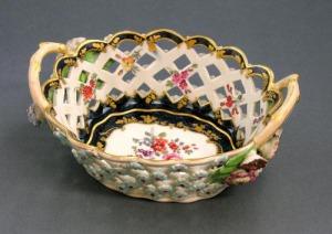 Koszyk porcelanowy Worcester (A Worcester pierced oval basket)
