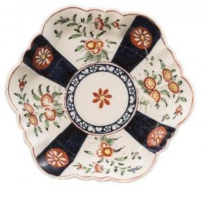 Talerzyk porcelanowy (A Worcester porcelain hexagonal teapot stand)