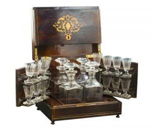 Kaseta - barek (A French rosewood and marquetry decanter-box)