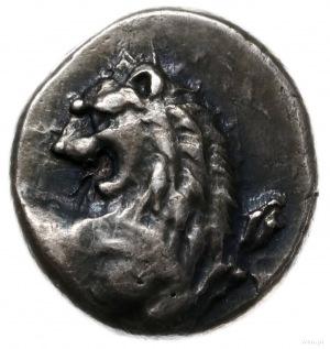 hemidrachma ok. 386-338 pne; Aw: Popiersie lwa w prawo ...