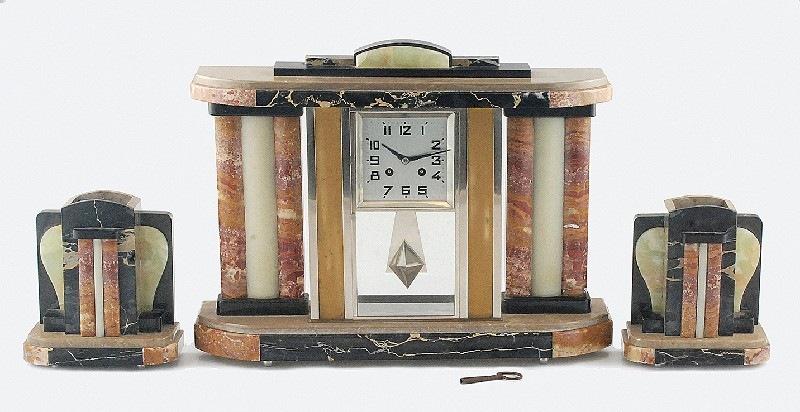 Zegar kominkowy art-deco, z parą ozdobnych słupków