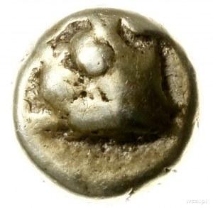 hekte elektronowe ok. 625-520 pne; Aw: Głowa byka w lew...