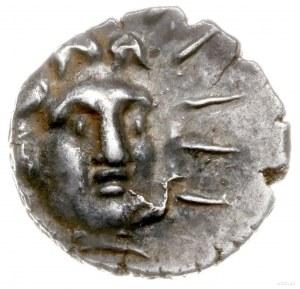 hemidrachma ok. 125-88 pne; Aw: Głowa Heliosa trzy-czwa...