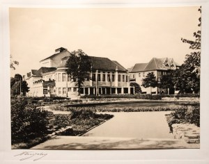 KRÓLEWIEC (ros. Калининград). Teatr królowej Luizy, ok. 1 ...