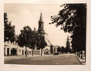 TYLŻA (ros. Советск). Ulica Niemiecka z ratuszem, ok. 1925; fo ...