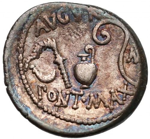 Julius Cesar (47-44 BC), Denarius, uncertain mint (Utica ?), struck January-April 46 BC.
