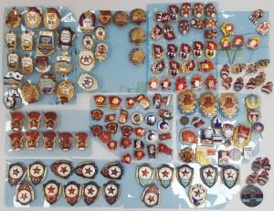 ZSRR kolekcja znaczków i przypinek różnych MIX