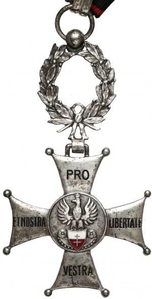 Komandorski Krzyż Zasługi Związku Uczestników Polskiego Ruchu Oporu