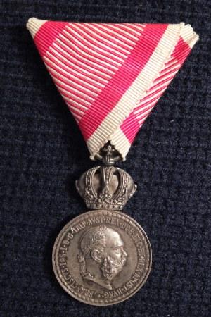 Signum Laudis/ Medal Zasługi Wojskowej (węg. Signum Laudis katonai). ...