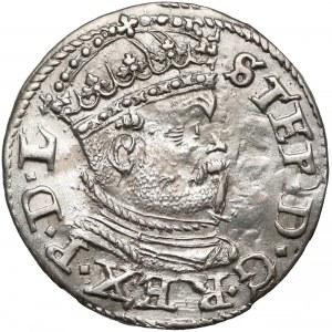 Stefan Batory, Trojak Ryga 1586 - mała głowa z krzyżem