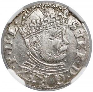 Stefan Batory, Trojak Ryga 1586 - wysoka korona - NGC AU58
