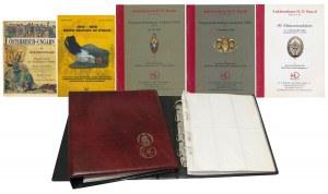 Albumy i literatura o austro-węgierskich odznaczeniach właściciela sprzedawanej kolekcji.