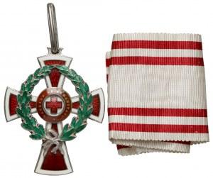 Odznaczenie Honorowe Czerwonego Krzyża, Klasa II z Dekoracją Wojenną