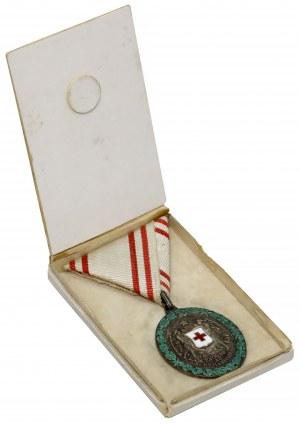 Medal Zasługi dla Czerwonego Krzyża, Srebrny, w etui