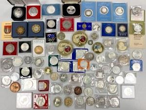 Pudełko z monetami i medalami MIX - dużo SREBRNYCH
