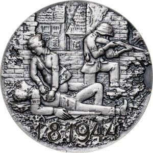 medal POWSTANIE WARSZAWSKIE, medal wznowiony w 1983 roku, srebro Ag, masa rzeczywista: 160 g, ekstremalnie niski nakład 5 sztuk, z opaską AK na rękawie