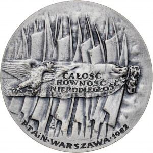 medal INSUREKCJA KOŚCIUSZKOWSKA, medal wznowiony w 1983 roku (pierwotne bicie z 1982 roku nie zawierało wersji srebrnej), srebro Ag, masa rzeczywista: 187 g, nakład z 1983 roku: 5 sztuk