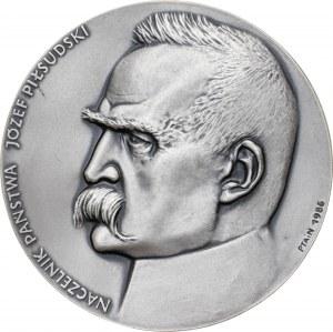 medal NACZELNIK PAŃSTWA JÓZEF PIŁSUDSKI, 1987, srebro Ag, masa rzeczywista: 182 g, nakład: 30 sztuk, GRUBY
